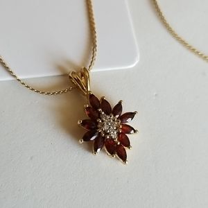 Garnets & crystals pendant necklace